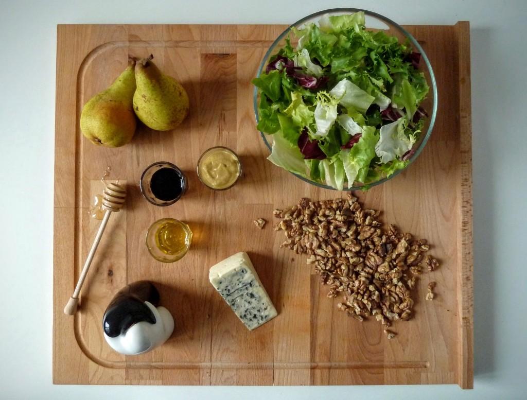 sałatka z gruszką serem pleśniowym składniki