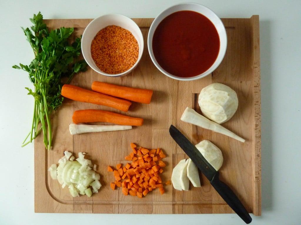 zupa pomidorowa z soczewica przygotowanie