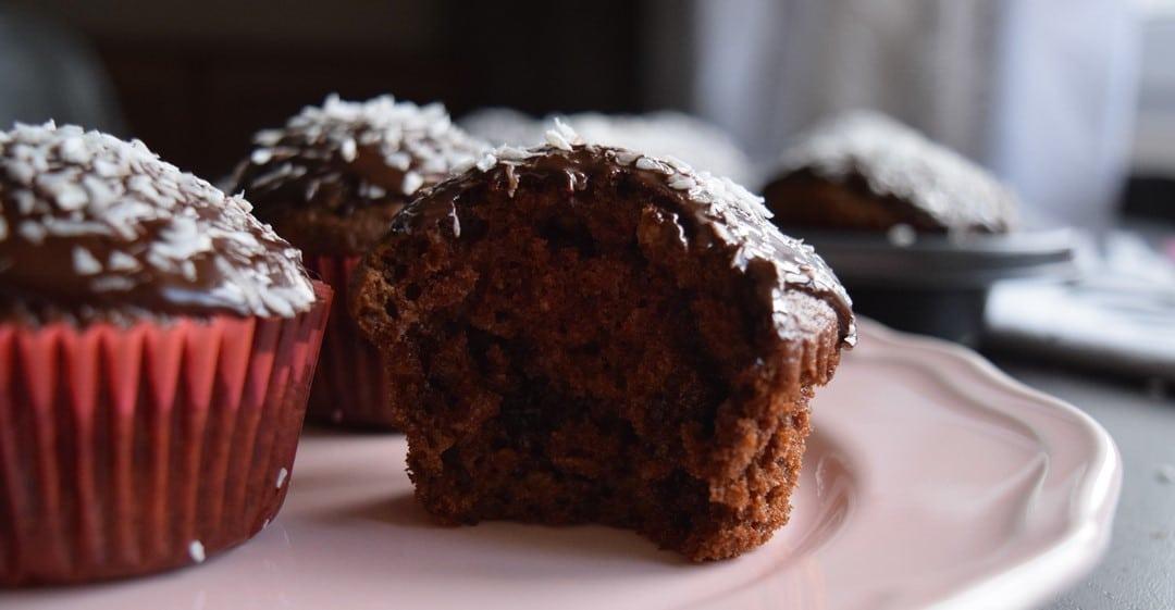 czekoladowe muffiny z wiórkami kokosowymi glowne