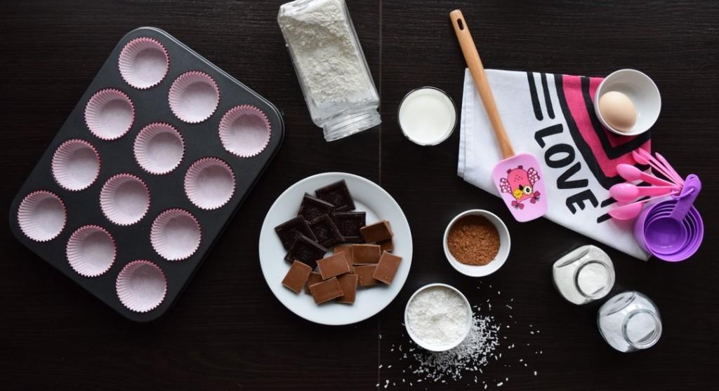czekoladowe muffiny z wiórkami kokosowymi skladniki