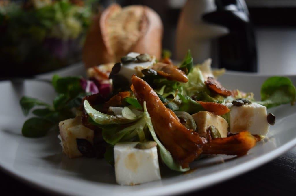 salatka z kurczakiem serem pestkami dyni ciekawostka