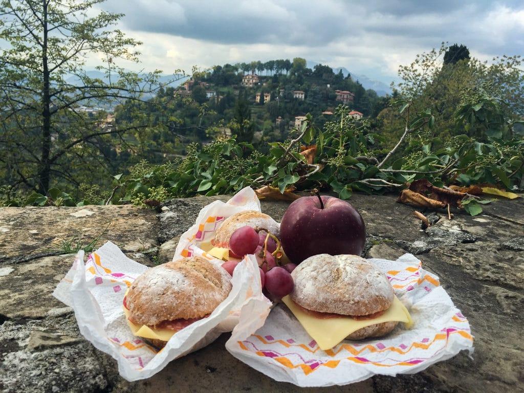co i gdzie zjeść w bergamo wzgórze san vigillio