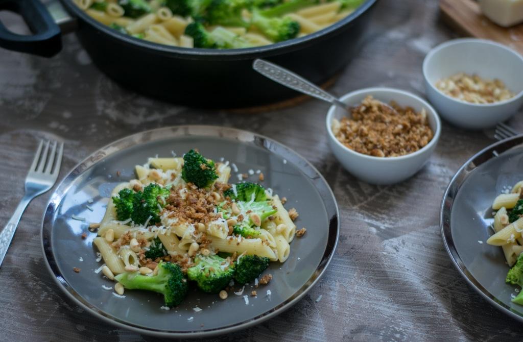 makaron z brokułem zdjęcie głowne