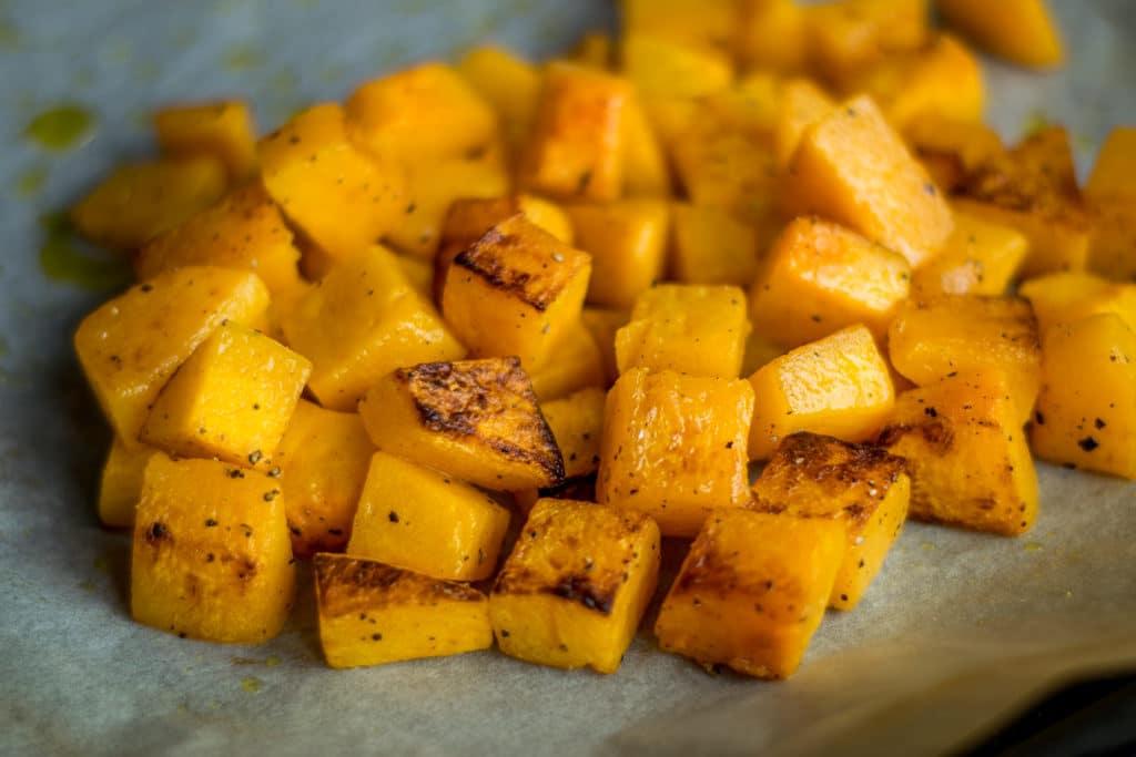 warzywne curry przygotowanie pokrojona dynia