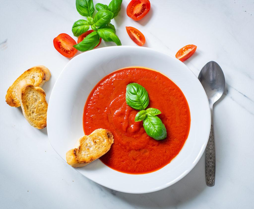 fotografia kulinarna krem z pomidorów