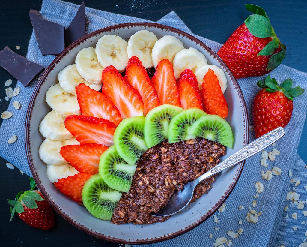 fotografia kulinarna owsianka z owocami