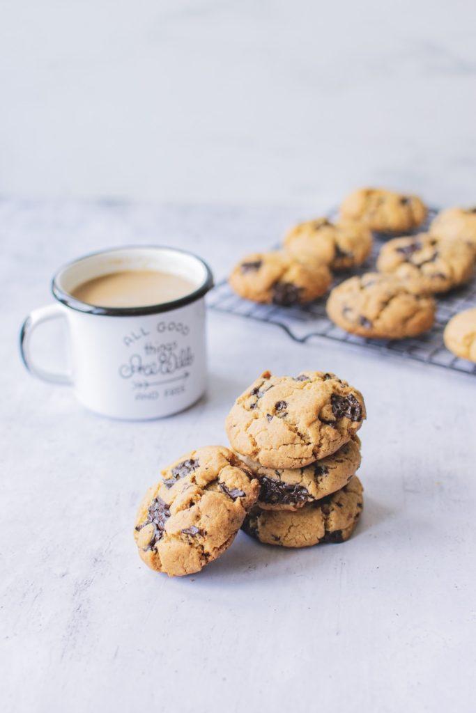 ciastka i kawa - fotografia jedzenia