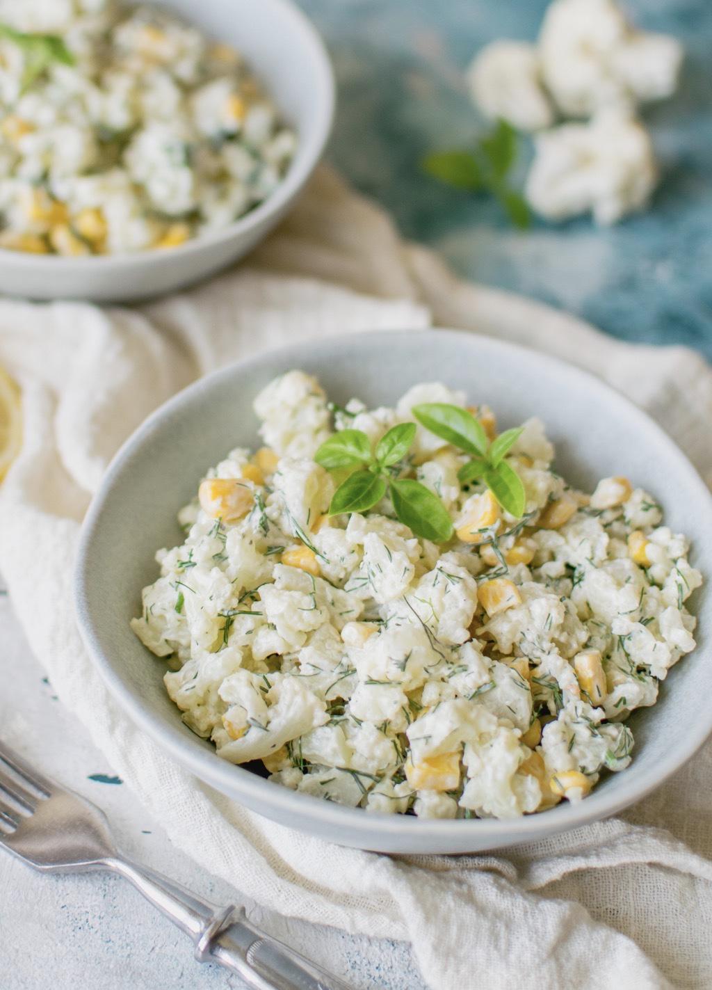 Sałatka z kalafiora i kukurydzy