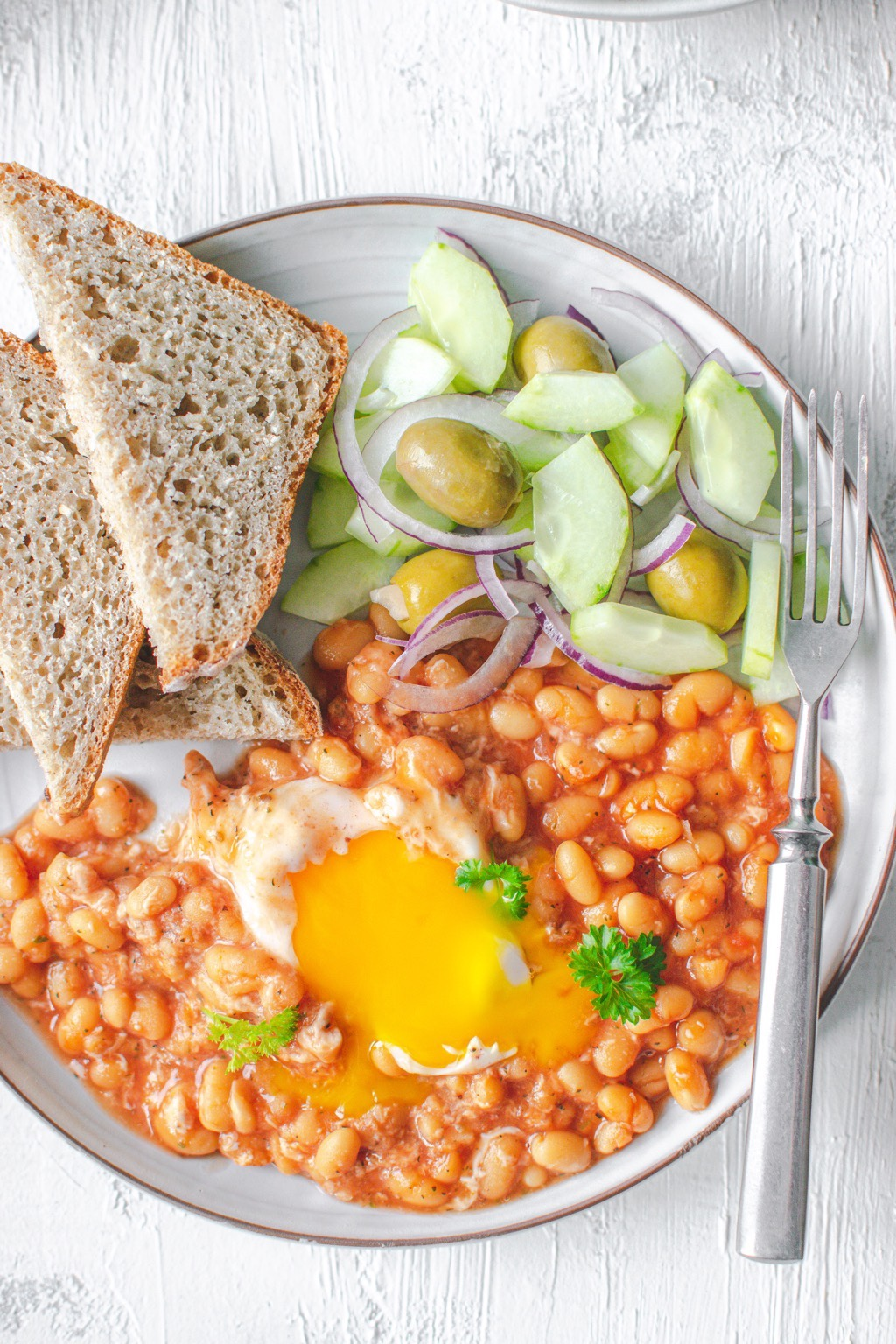 Fasolka-pomidorowa-jajko-sałatka
